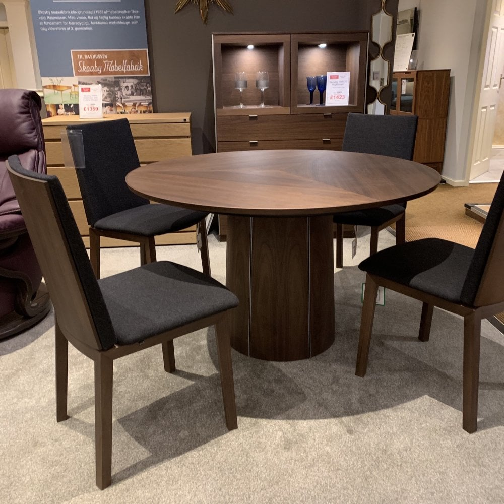 Skovby Sm33 Table 4 X Sm51 Chairs Clearance Local Delivery Only